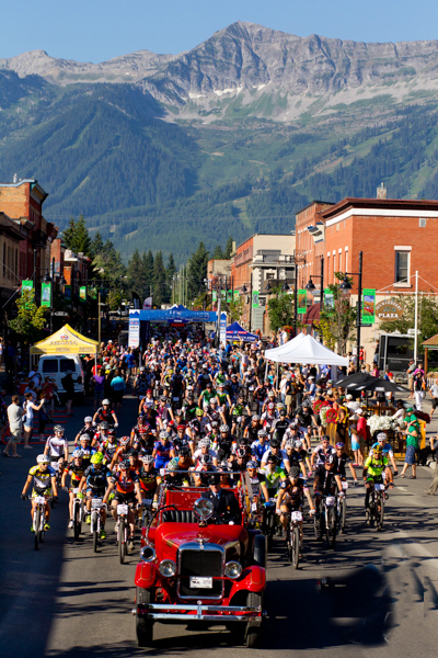 Fernie downtown bike start.John Gibson Photos