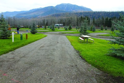 Fernie RV Resort - premium pull through3
