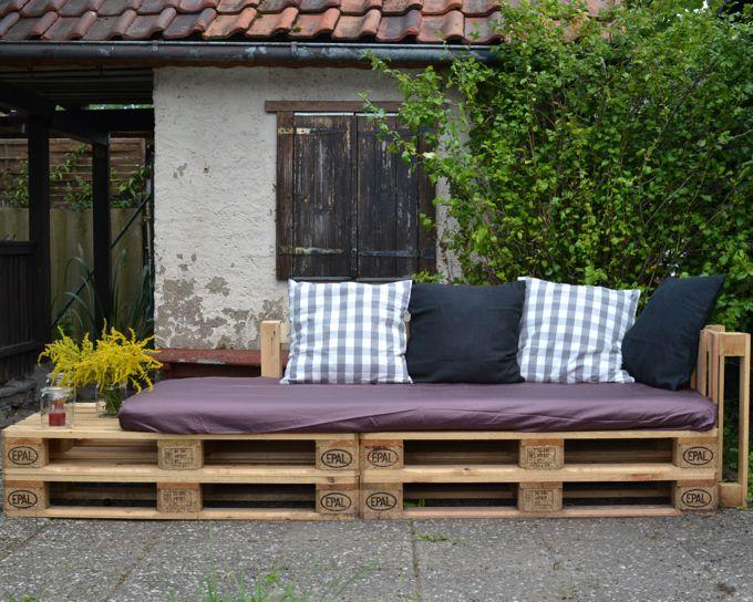 life on fernlane eine lounge ecke f r parzelle 29 ein sofa aus europaletten mit easypeasy. Black Bedroom Furniture Sets. Home Design Ideas