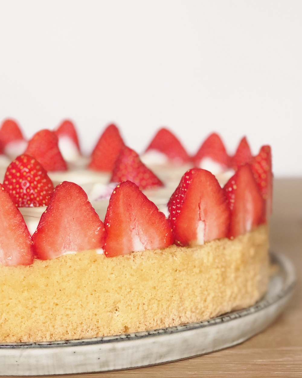 Erdbeer-Cheesecake mit weißer Schokolade