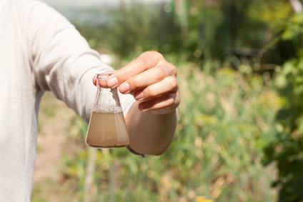 <strong>Die Umweltwissenschaft beschäftigt sich unter andern damit, welche Auswirkung der Mensch und seine Tätigkeiten auf die Umwelt hat.</strong><br /> © Vasily Merkushev - Fotolia.com