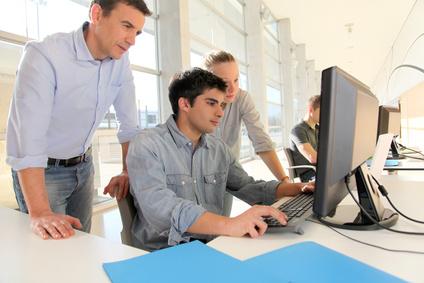 <strong>Studieren Sie per Fernstudium Informatik Bachelor und Master.</strong><br/>© goodluz - Fotolia.com