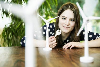 Richten Sie ihren Blick auf die Zukunft und studieren Sie jetzt Umweltschutz per Fernstudium. © bilderstoeckchen - Fotolia.com