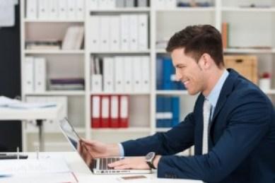 <strong>Der Bürosachbearbeiter ist das Organisationstalent des Unternehmens.</strong> <br />© contrastwerkstatt - Fotolia.com