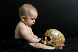 <strong>Gibt es ein Leben nach dem Tod? Dies ist eine Frage von vielen, die sich die Parapsychologie stellt.</strong><br/>© Haramis Kalfar - Fotolia.com