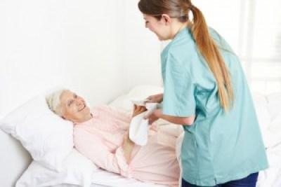 <strong>Seniorenbetreuung - ein Beruf mit Zukunft!</strong><br/>© Robert Kneschke - Fotolia.com