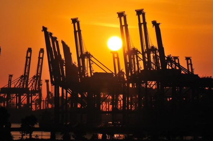 Singapur Hafen bei Sonnenaufgang