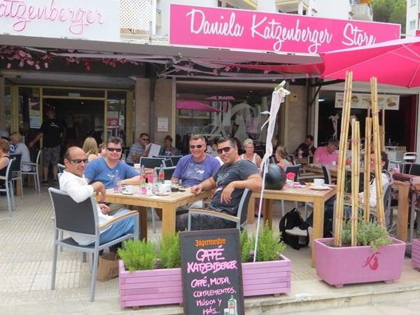 03_Vier-Maenner-Cafe-Katzenberger-Mallorca