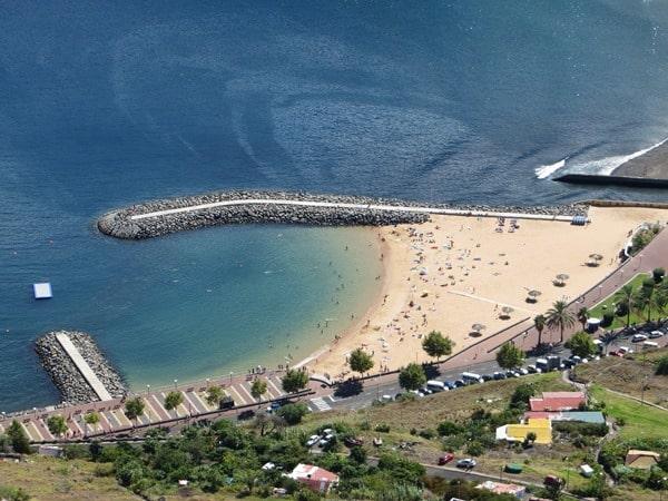 18-Sandstrand-Santa-Cruz-Madeira