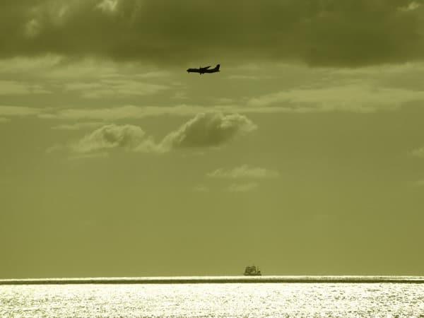 98_Dreimaster-Flugzeug-Vergangenheit-Zukunft-Reisen