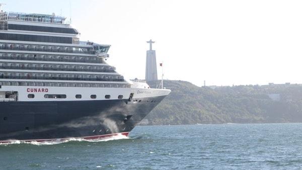 17_Kreuzfahrtschiff-Queen-Victoria-Cunard-Line-Lissabon-Portugal-Christo-Rei