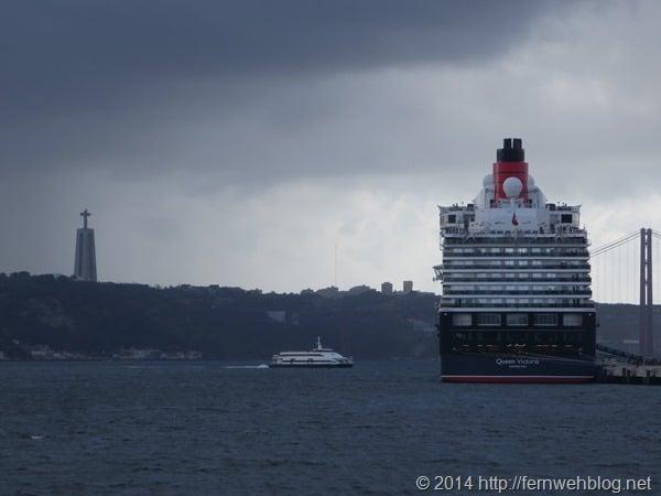 Hafenrundfahrt Lissabon Portugal Kreuzfahrtschiff Queen Victoria Cristo Rei