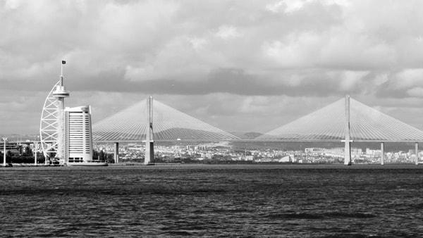 Hafenrundfahrt Lissabon Tejo Brücke Ponte Vasco da Gama Portugal