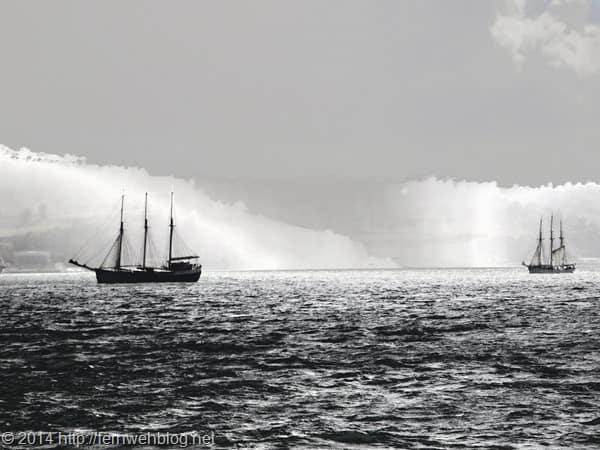 Hafenrundfahrt Lissabon Segelschiffe Tejo monochrom