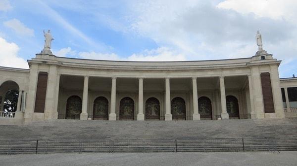 Wallfahrtsort Fatima Portugal Basilica Antiga Seitenflügel