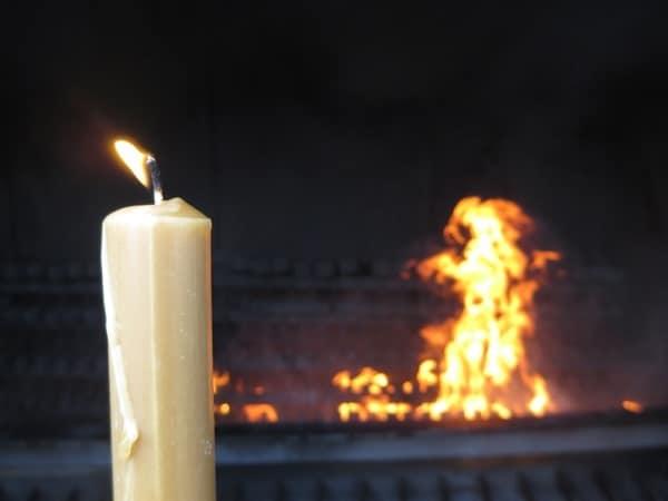Wallfahrtsort Fatima Portugal Kerze tanzende Flamme