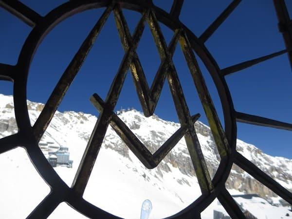 19_Zugspitze-Kapelle-Maria-Heimsuchung-Blick-auf-Gipfel