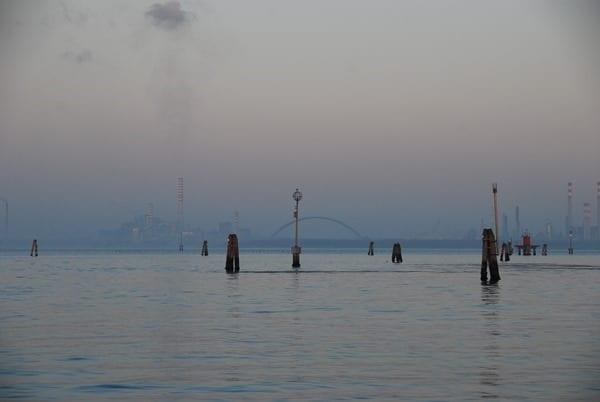 01_Venedig-im-Morgengrauen-Italien-Fabriken
