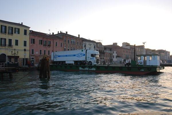 03_Lieferung-in-Venedig-Italien