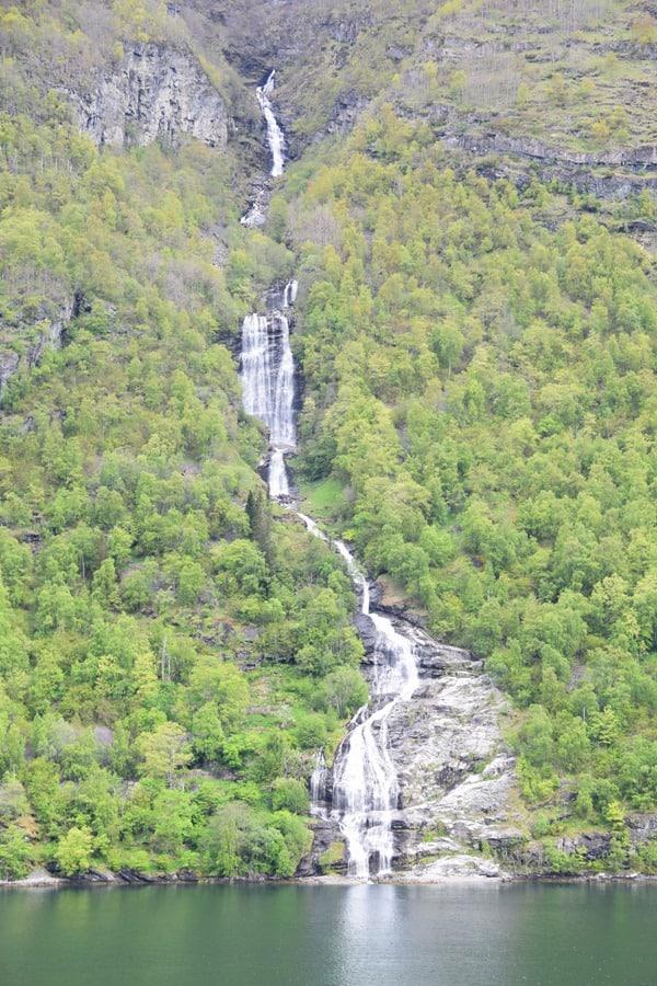 Wasserfall Geirangerfjord Nordland-Kreuzfahrt Fjord Norwegen