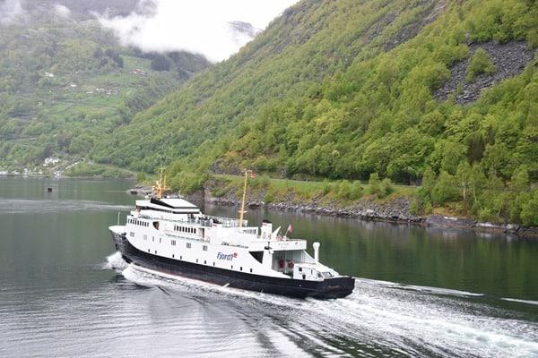 37_Faehre-Fjord1-Geirangerfjord-Norwegen