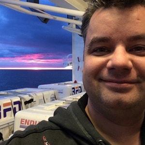 Selfie Kreuzfahrtblogger Daniel Dorfer MSC Sinfonia Nordsee Norwegen Sonnenuntergang