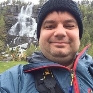 Reiseblogger Selfie Tvindefossen Wasserfall Norwegen