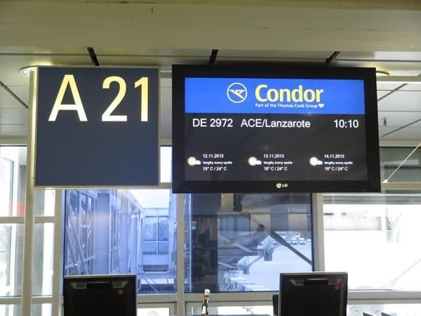 Flughafen-Muenchen-Gate-A21-Condor-nach-Lanzarote