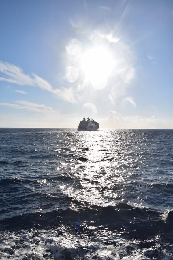 Seabourn Sojourn verläßt Bonifacio Korsika Frankreich