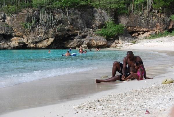 Flitterwochen wohin Karibik Hochzeitsreise günstig Curacao Strand Grote Knip