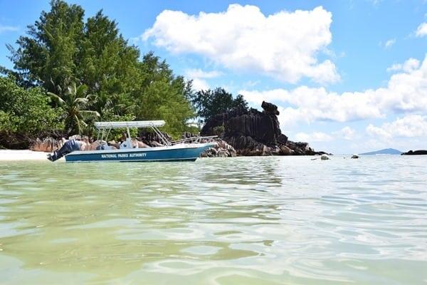22_Traumstrand-Naturschutzgebiet-Marine-National-Park-Curieuse-Seychellen