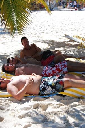 09_Sonnenbaden-Strand-Isla-Saona-Dominikanische-Republik-Karibik