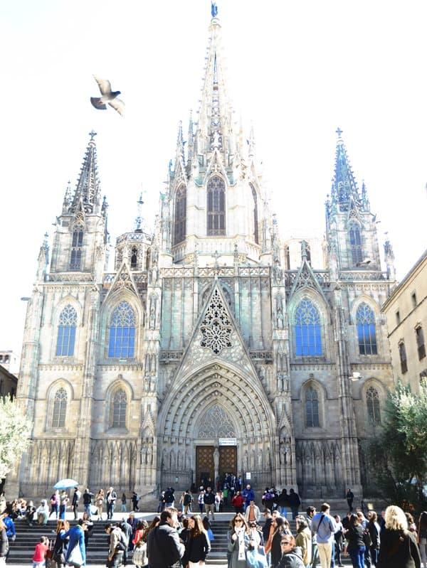 08_La-Catedral-de-la-Santa-Creu-i-Santa-Eulalia-Kathedrale-von-Barcelona-Spanien