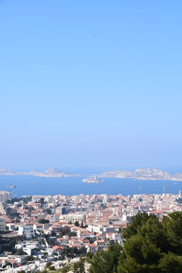 14_Aussicht-von-der-Notre-Dame-de-la-Garde-auf-Marseille-Provence-Frankreich