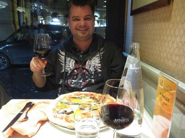 Reiseblogger Daniel Dorfer perfekte Pizza essen Rom Italien Fabiolous Cooking Day