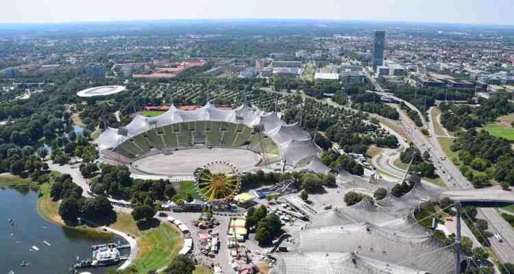 000 Sommer im Park Olympiapark Muenchen Bayern
