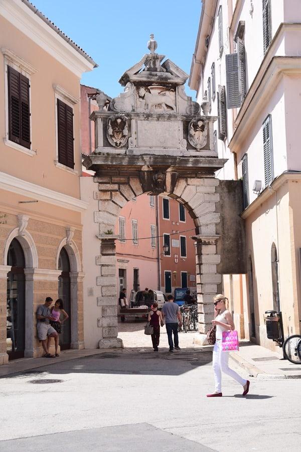 13_Porta-Balbi-Torbogen-Rovinj-Istrien-Kroatien