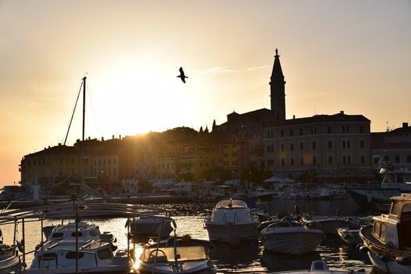 26_Sonnenuntergang-Hafen-Altstadt-Rovinj-Istrien-Kroatien