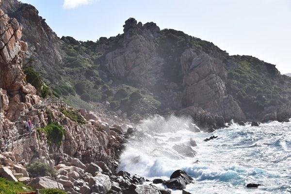 Wanderweg zum Strand Li Cossi Costa Paradiso Sardinien Italien