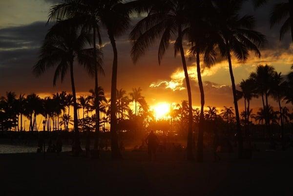 08_Sonnenuntergang-Honolulu-Waikiki-Beach-Oahou-Hawaii
