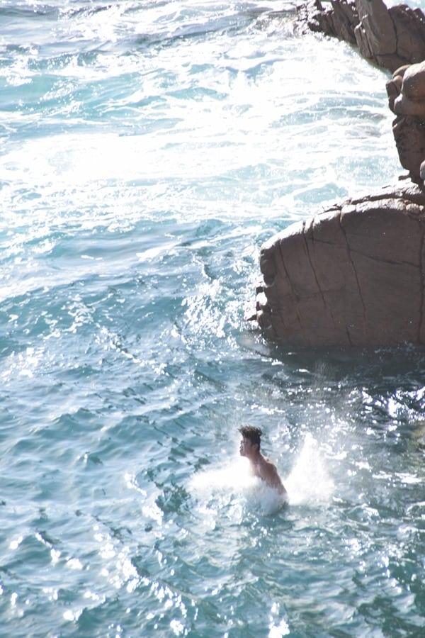 Eintauchen Kippenspringer Strand Li Cossi Costa Paradiso Sardinien Italien