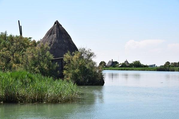 18_typische-Fischerhuetten-Casoni-in-der-Lagune-von-Marano-Lignano Sabbiadoro-Fluss-Stella-Italien