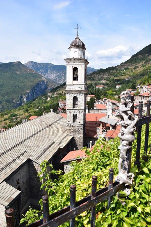 02_Kirche-Triora-Ligurien-Italien
