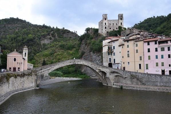 07_Ponte-Vecchio-di-Dolceacqua-Bruecke-Nervia-Ligurien-Italien