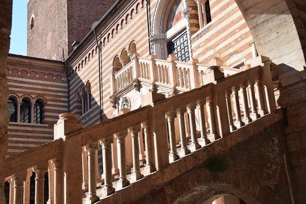 Verona Sehenswürdigkeiten Stufen am Torre dei Lamberti Italien