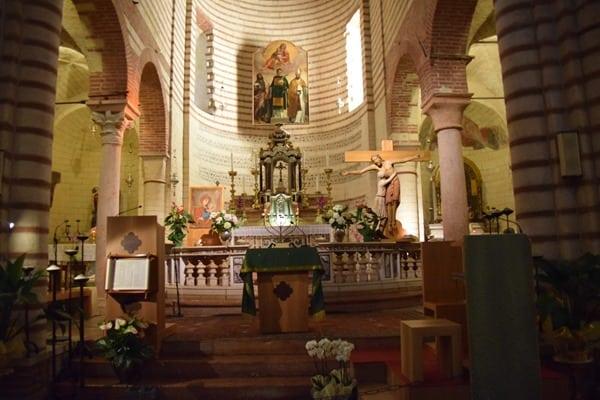 Verona Sehenswürdigkeiten Altar Basilica di San Lorenzo Kirche Italien