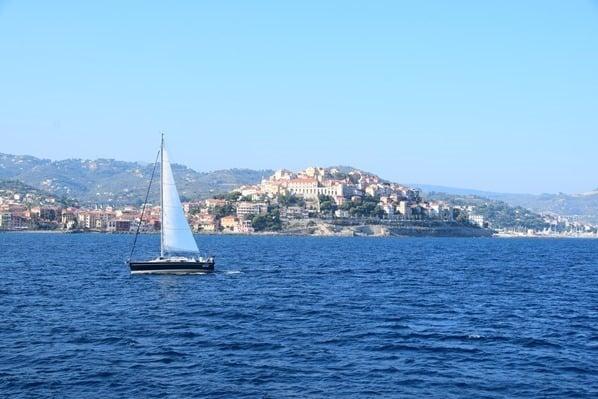Segelboot Imperia Blumenriviera Ligurien Italien