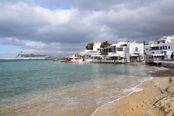 03_Kreuzfahrtschiff-Vision-of-the-Seas-Mykonos-Stadt-Fischerhafen-Griechenland