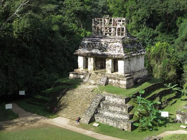 Palenque Mexiko Sehenswürdigkeiten Sonnentempel Maya Stätte