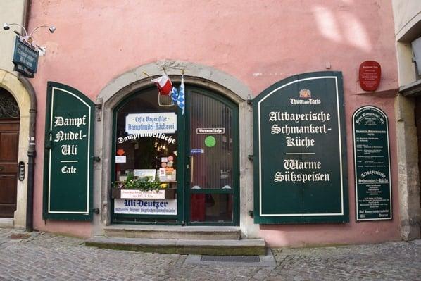 09_Restaurant-Cafe-Dampfnudel-Uli-Regensburg-Citytrip